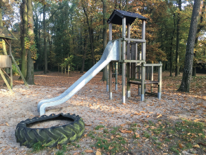 kletterturm-mit-rutsche